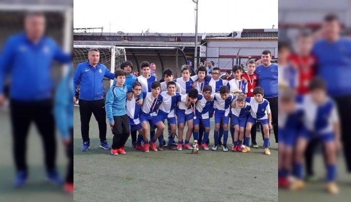 Yunusemre belediyespor U-12 takımı Pınarbaşı Cup'ta 2. oldu