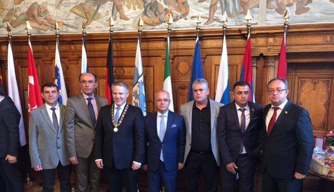Başkan Kayda, Almanya'daki 'Vatandaşlık Fuarı'na katıldı