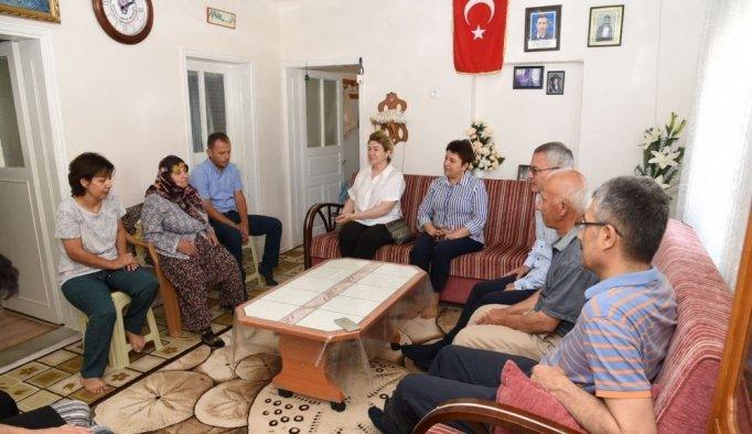 Vali Deniz, şehit babası Osman Akoral' ı ziyaret etti