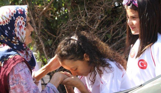 'Değerli Zamanlar' projesinin öğrencilerinden anlamlı ziyaret
