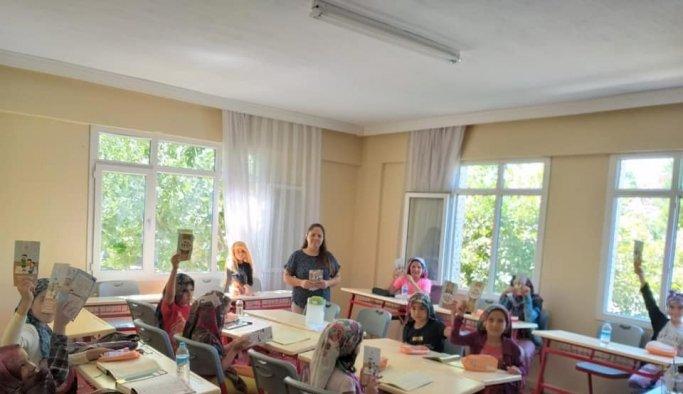 Kur'an kursu öğrencilerine diş sağlığı bilgisi