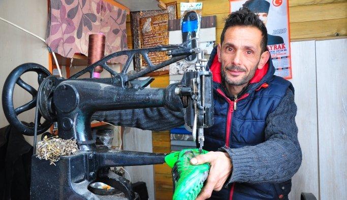 İlçenin tek ayakkabı tamircisi teknolojiye karşı ekmek mücadelesi veriyor