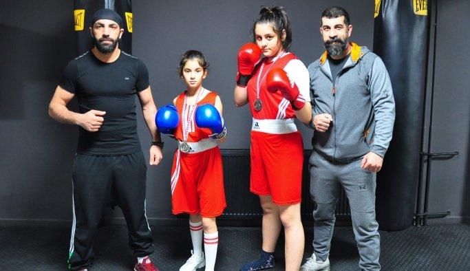 Dereceye girenManisalı boksörlerin hedefi Avrupa