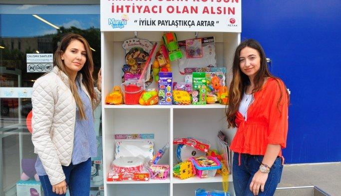 Manisa'da çocuklara bayram hediyesi: 'Askıda oyuncak'