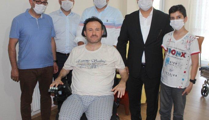 Bakan Kasapoğlu,Manisalı Ahmet'in hayalini gerçekleştirdi