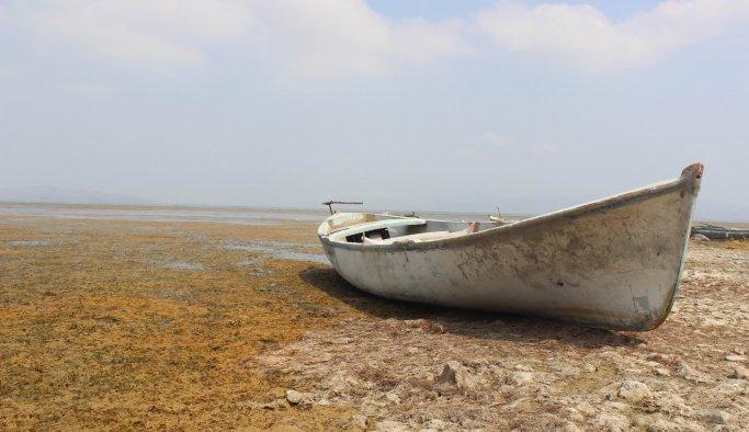Korkutan görüntü, Marmara Gölü kuruyor