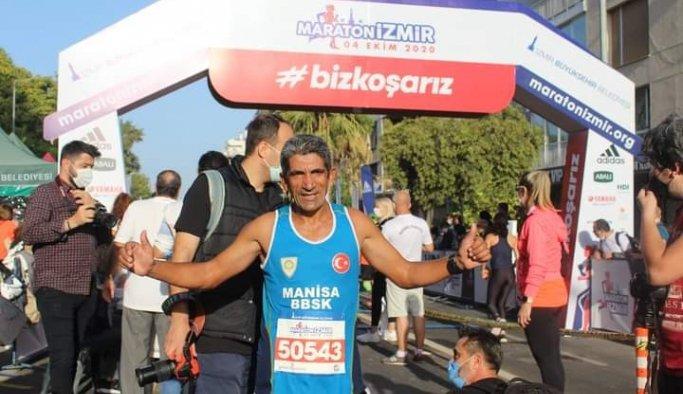Madalya avcısı Ahmet Bayram 'Maraton İzmir'de de ipi göğüsledi