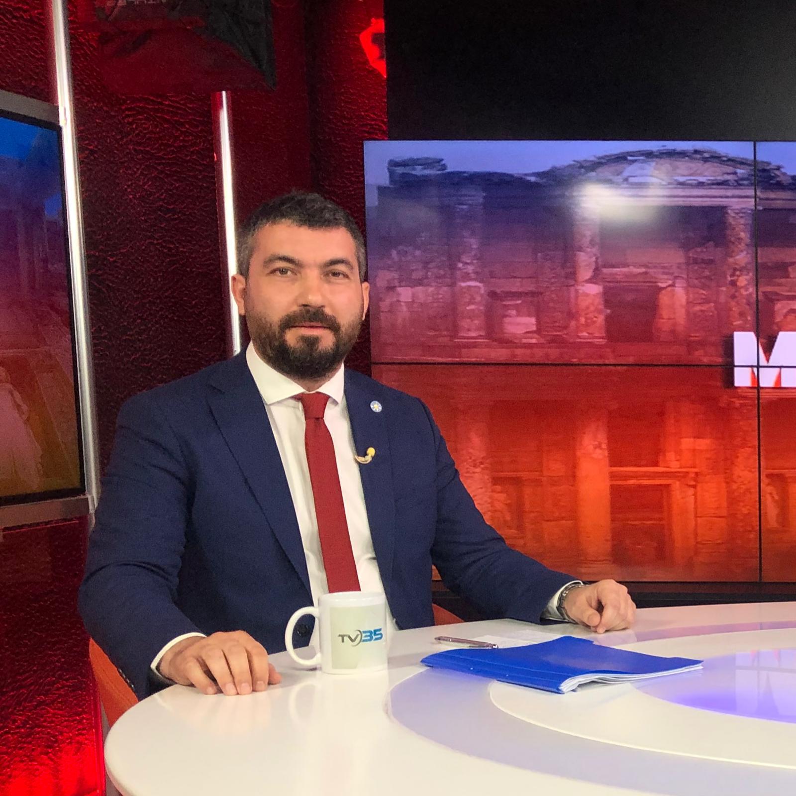 İYİ Parti'li Akan'dan Konutlara Vize Çıkışı