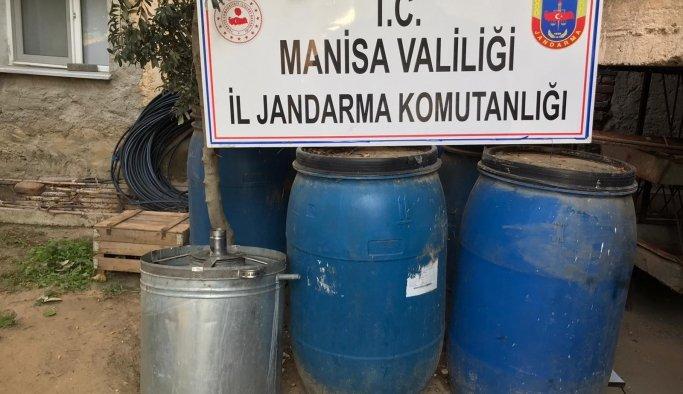 Manisa'da 4 bin 700 litre sahte içki ele geçirildi