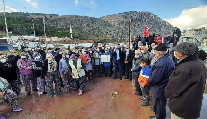 Çiftçiler 17 Yıllık Yol İsyanını CHP'ye Anlattı