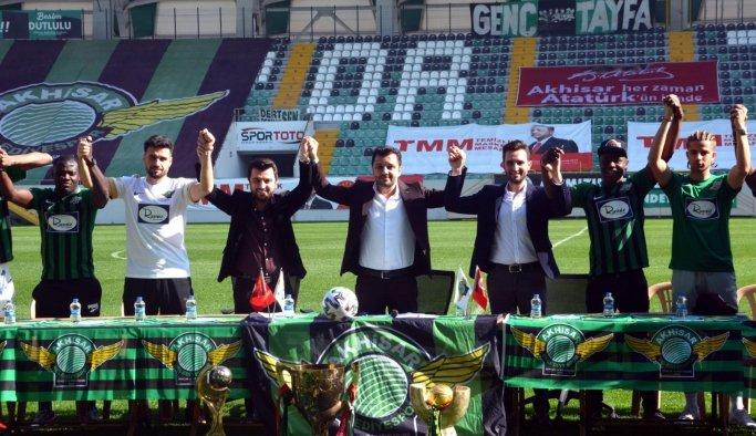 Akhisarspor'da yeni transferler basına tanıtıldı