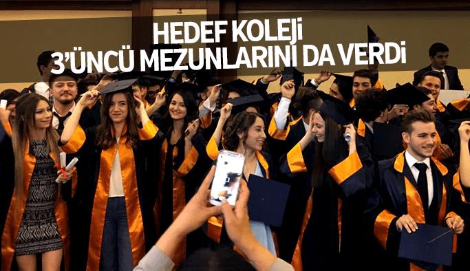 Hedef Koleji 3'üncü mezunlarını verdi