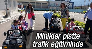 Manisalı minikler pistte trafik eğitiminde