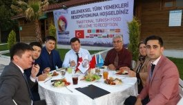 Yabancı konuklar için Türk yemekleri...