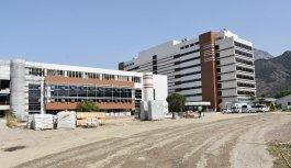 Vali Güvençer, yeni hastanelerin hizmete...