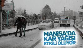 Manisa'da kar yağışı etkili oluyor