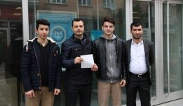 Öğrenciler harçlıklarını Mehmetçik Vakfı'na bağışladı