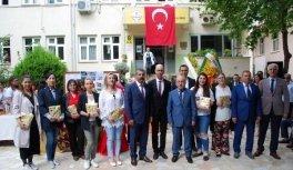 Salihli'de 22 ülkenin kültürleri tanıtıldı