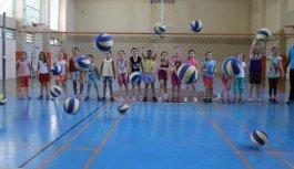 Manisa'da yaz spor okullarına büyük...