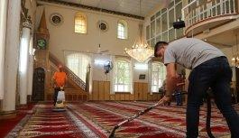 Turgutlu'nun 94 camisinde temizlik çalışmaları...