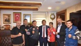 Başkan Çelik, şampiyon sporcuyu ödüllendirdi