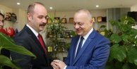 Başkan Ergün Şehzadeler İlçe Teşkilatını Ağırladı