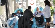 Manisa Devlet Hastanesi'nden Kızılay'a destek