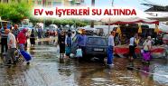 SALİHLİ'DE EV VE İŞYERLERİNİ SU BASTI