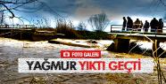SALİHLİ'DE KÖPRÜ ÇÖKTÜ
