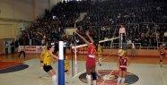 SALİHLİ'DEN GALATASARAY DAIKIN GEÇTİ 0-3