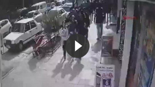 Bebek arabası çalan kadın kamerada