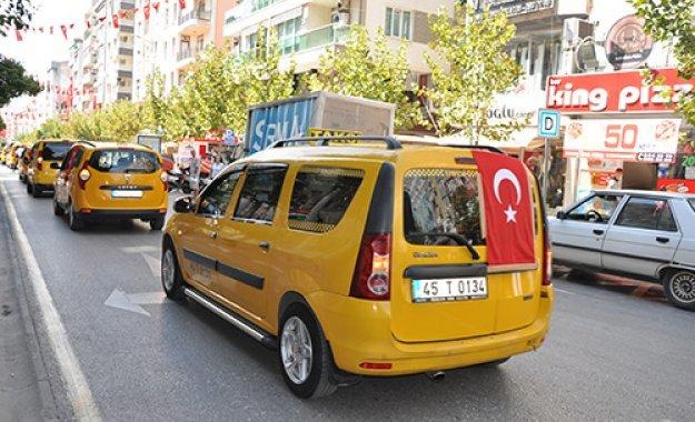 Manisa'da Taksiciler Teröre Karşı Eylem Yaptı
