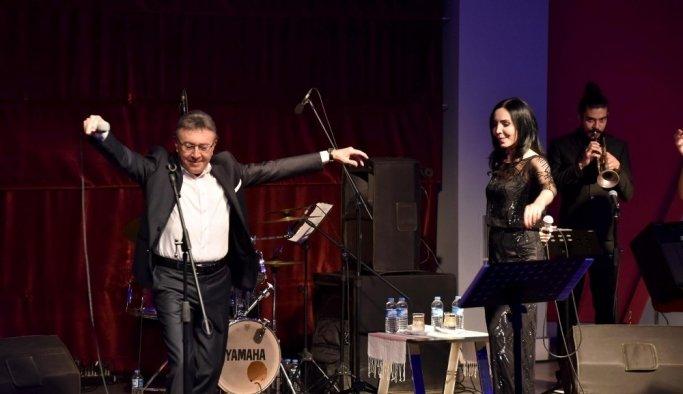 Aysun ve Ali Kocatepe'den 10 Kasım özel konseri