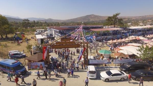 Güreşseverler, Yunusemre'deki festivali çok beğendi