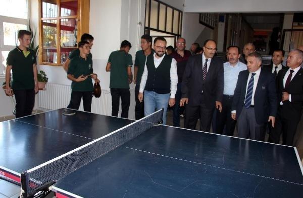 Kulalı öğrenciler masa tenisi oynayacak