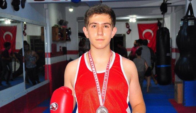Manisalı sporcu üç ayda Türkiye 3.sü oldu